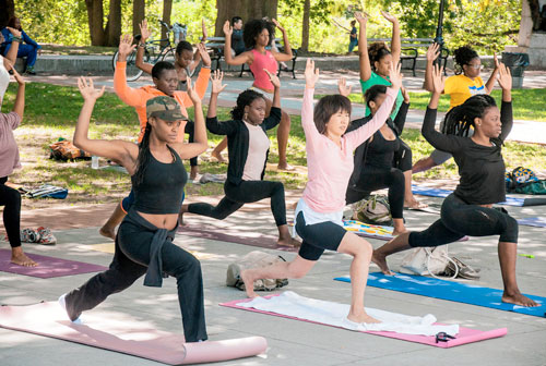 (VIDEO) Diversity and Yoga: Chelsea Jackson & Dianne Bondy